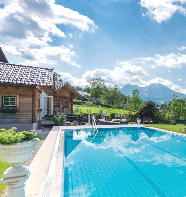 Hotel Lavendel Swimming Pool in Windischgarsten